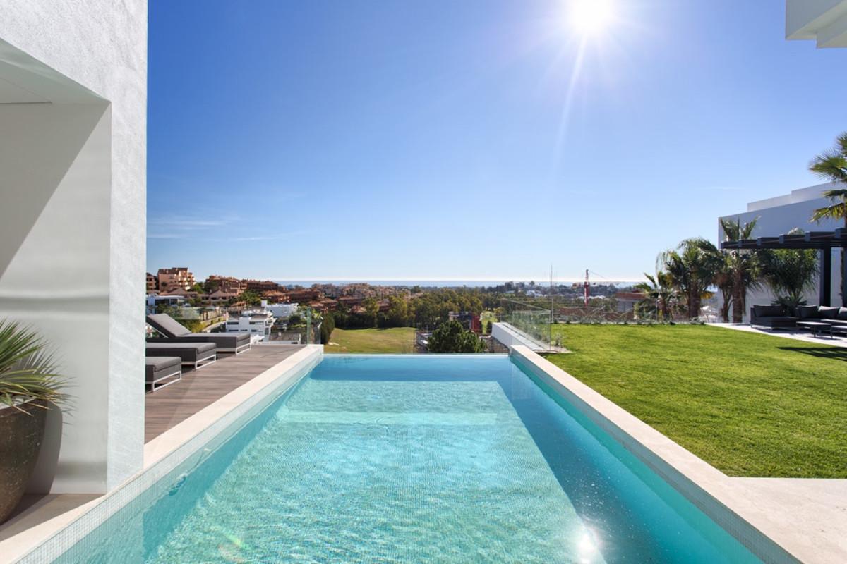 5 bedroom villa for sale benahavis