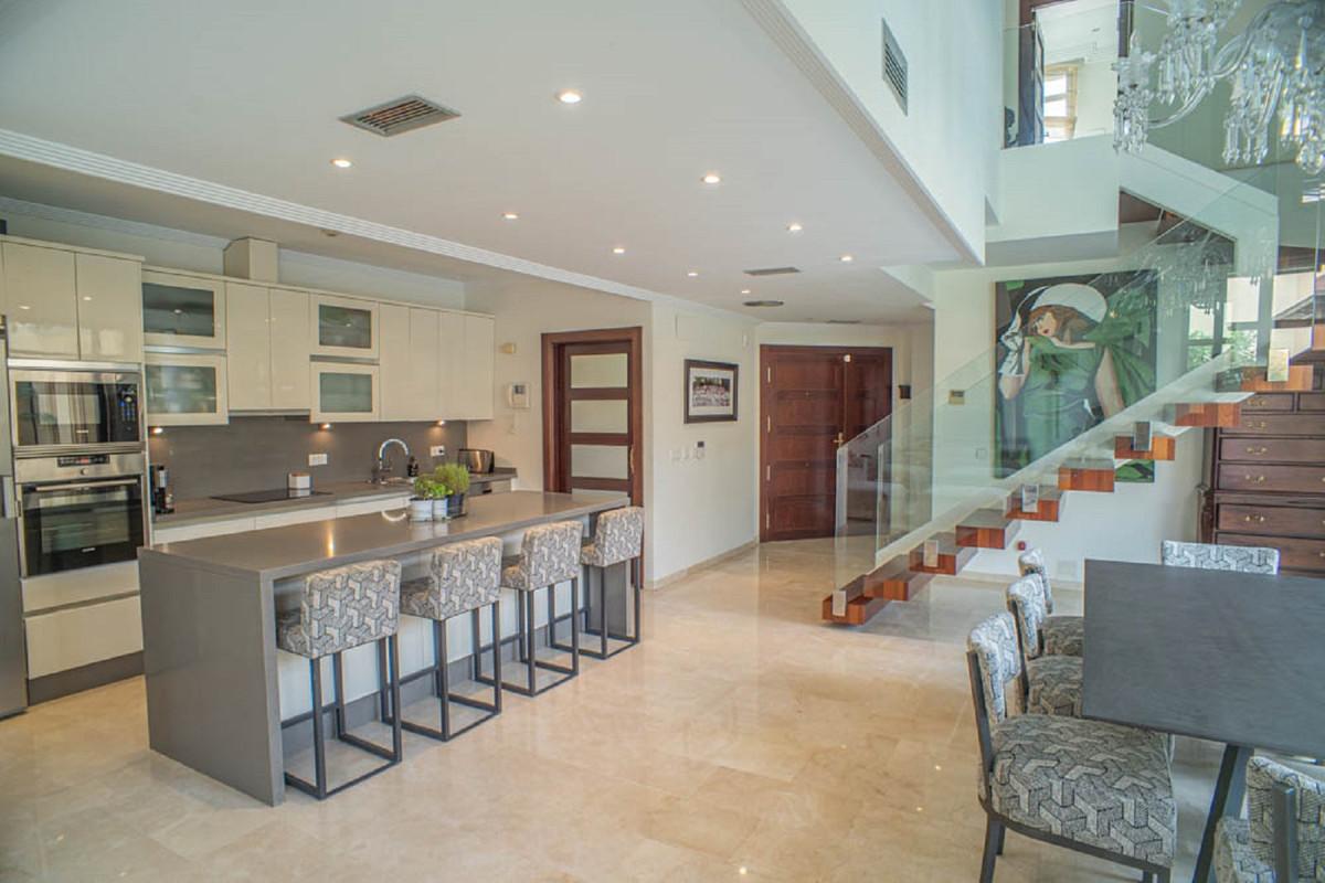 House in Nueva Andalucía R3912652 14