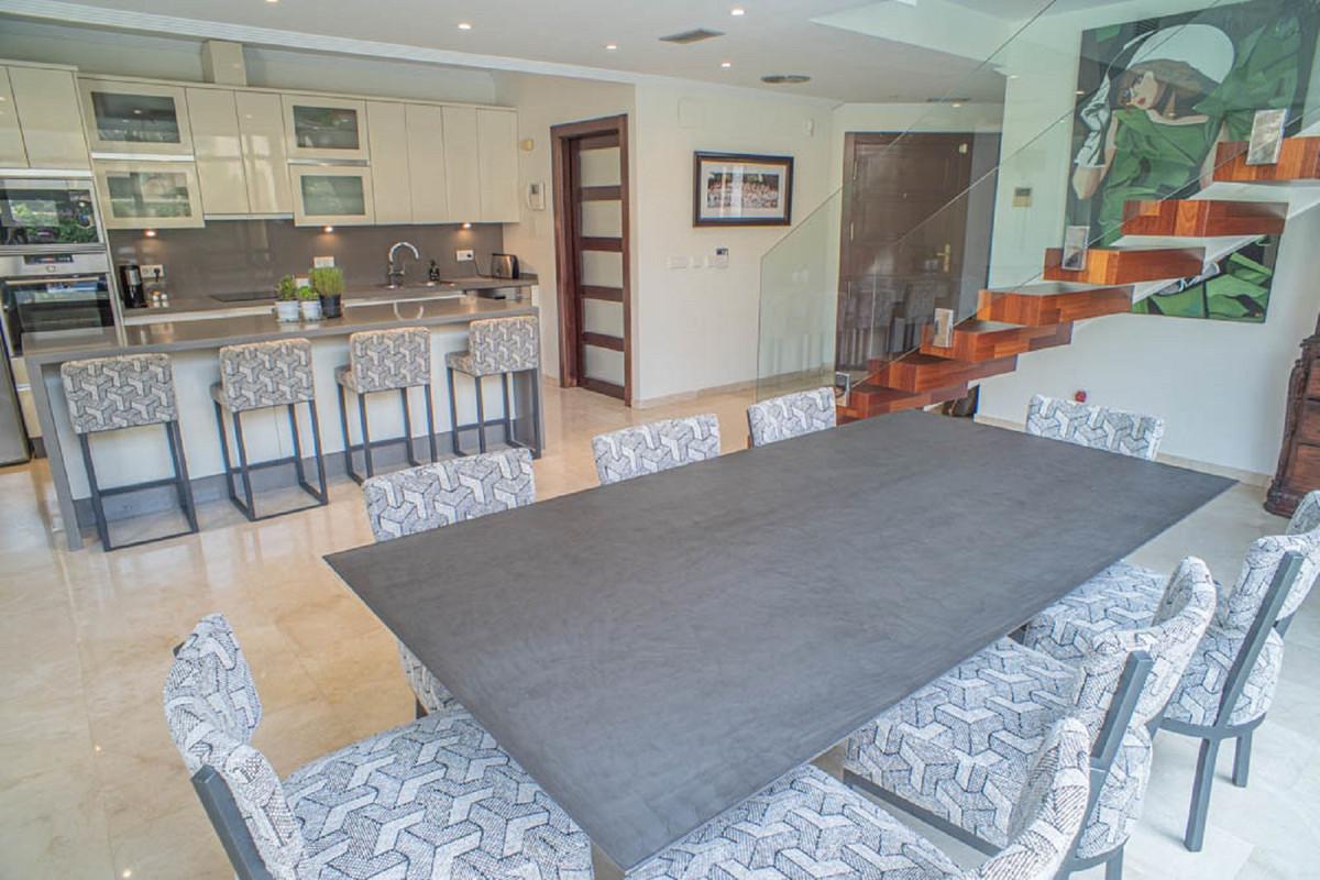 House in Nueva Andalucía R3912652 17