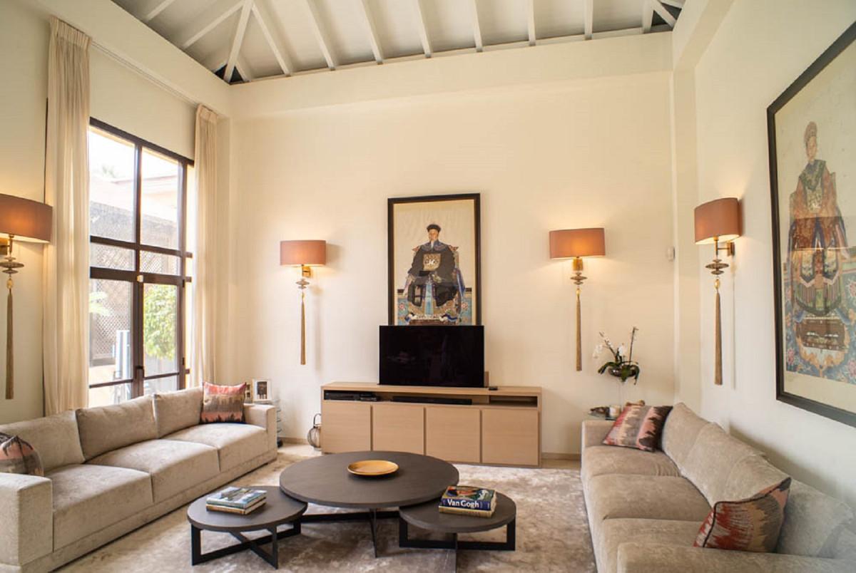 House in Nueva Andalucía R3912652 2