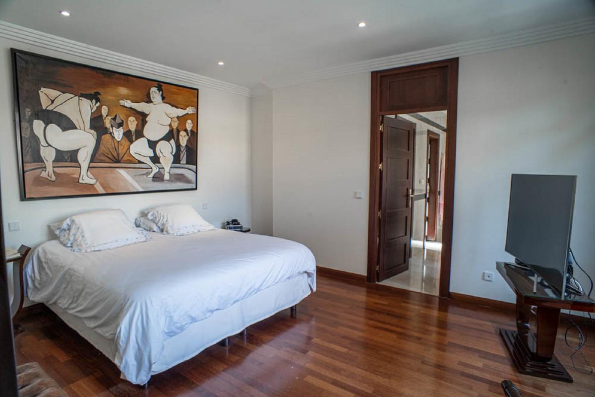 House in Nueva Andalucía R3912652 22
