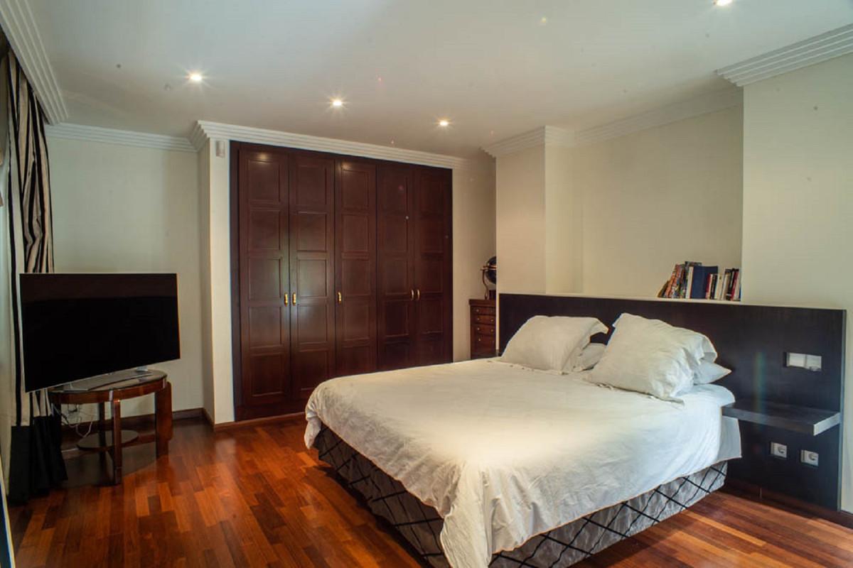 House in Nueva Andalucía R3912652 24