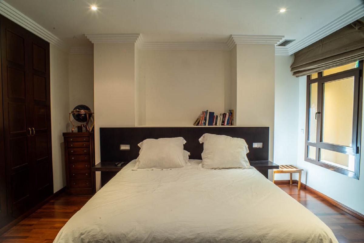 House in Nueva Andalucía R3912652 25