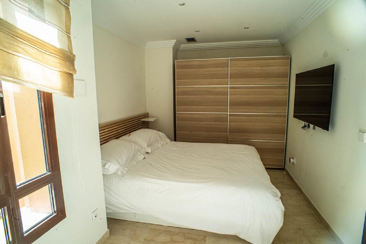 House in Nueva Andalucía R3912652 26