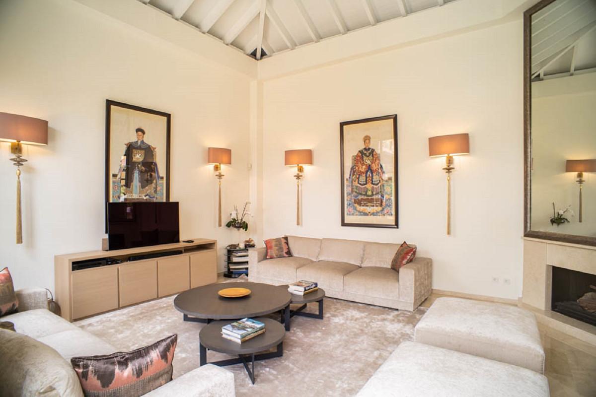 House in Nueva Andalucía R3912652 3