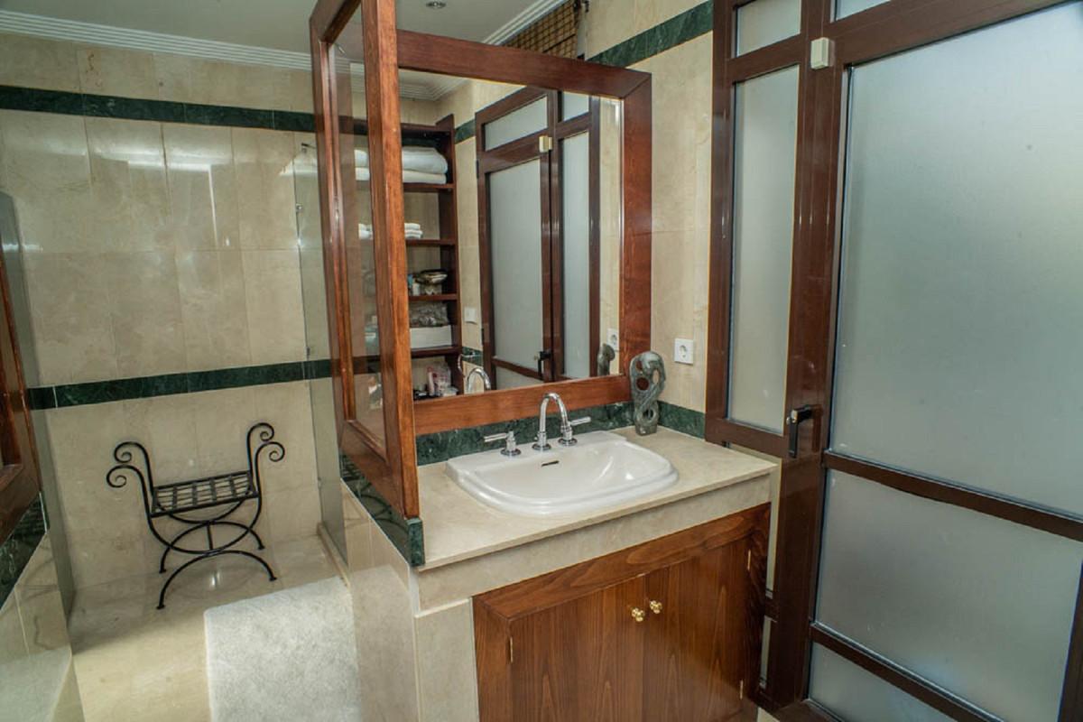 House in Nueva Andalucía R3912652 33