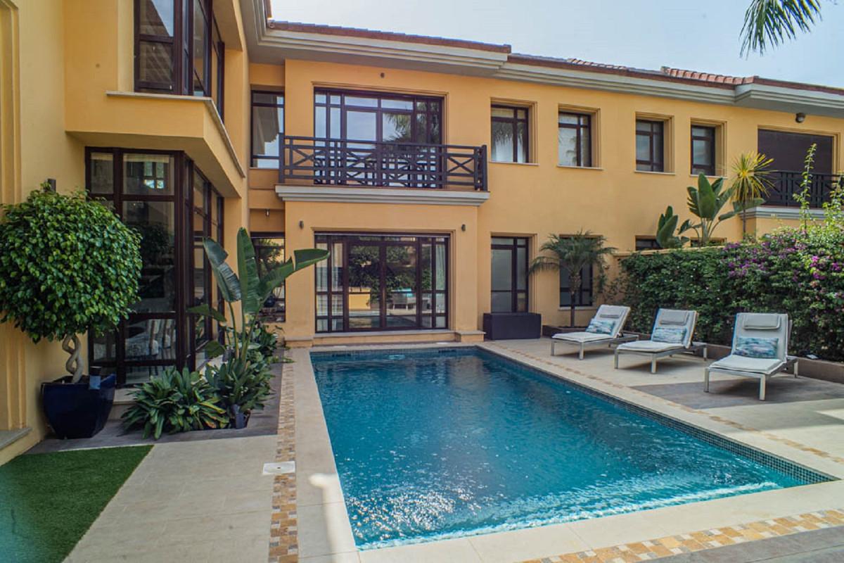 House in Nueva Andalucía R3912652 39