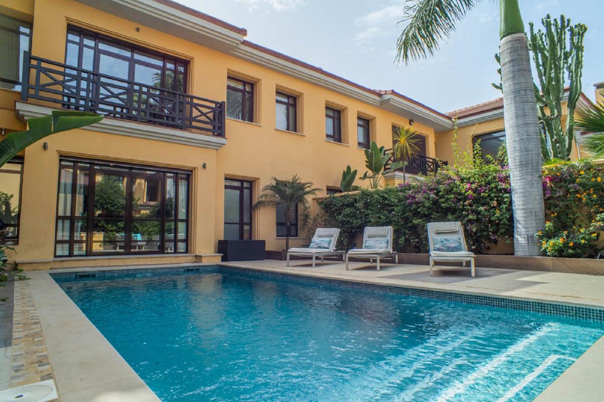 House in Nueva Andalucía R3912652 43