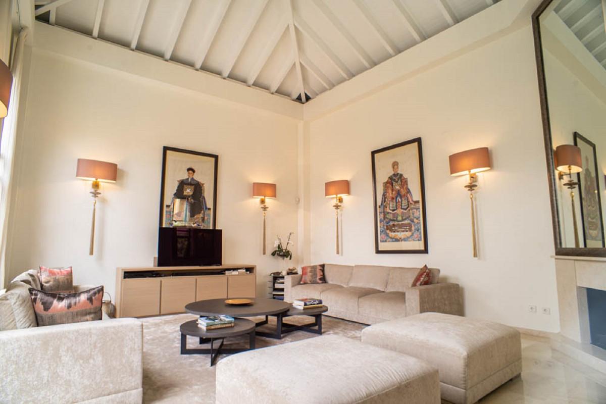 House in Nueva Andalucía R3912652 5