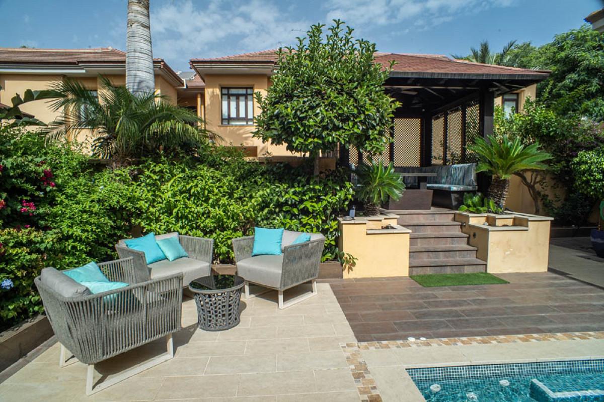 House in Nueva Andalucía R3912652 52