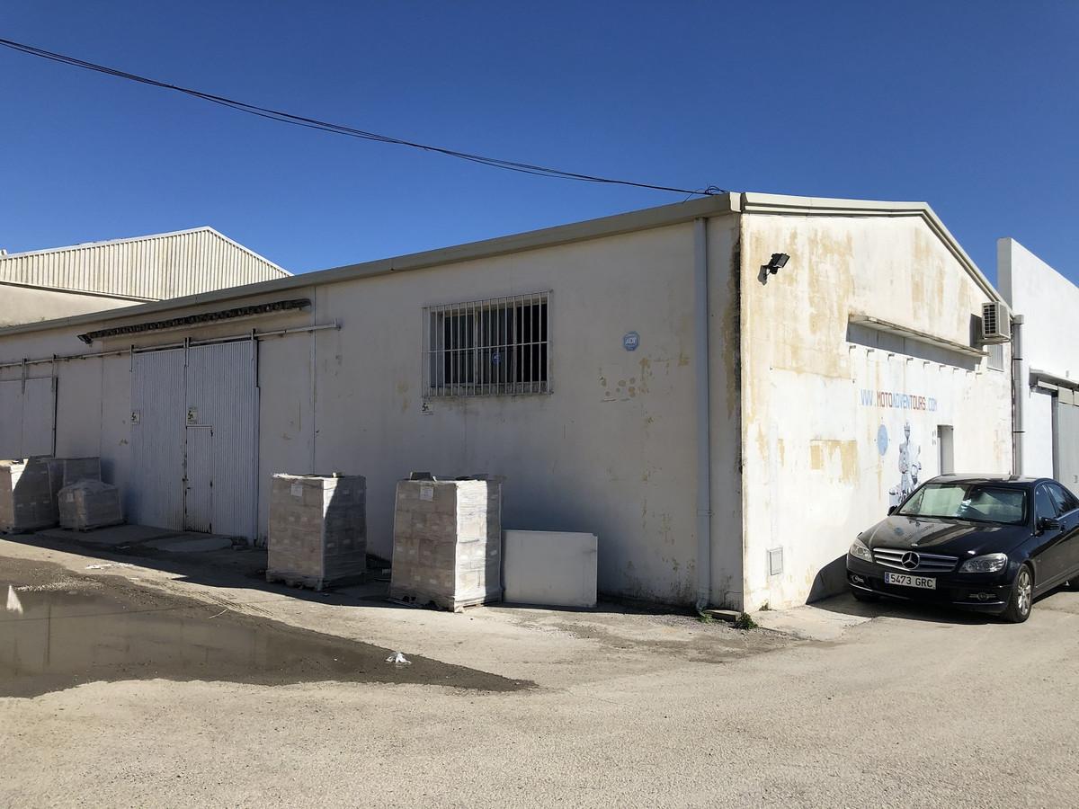Industrial building in Poligono Llanos Negros, El Padron, Estepona. Large open plan nave in good con,Spain