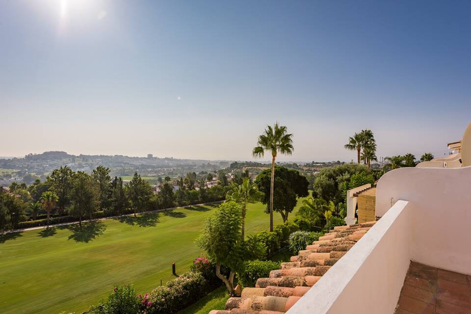 Bargain! Extraordinary unifamilar house for sale in exclusive development in La Quinta, Benahavis. T,Spain