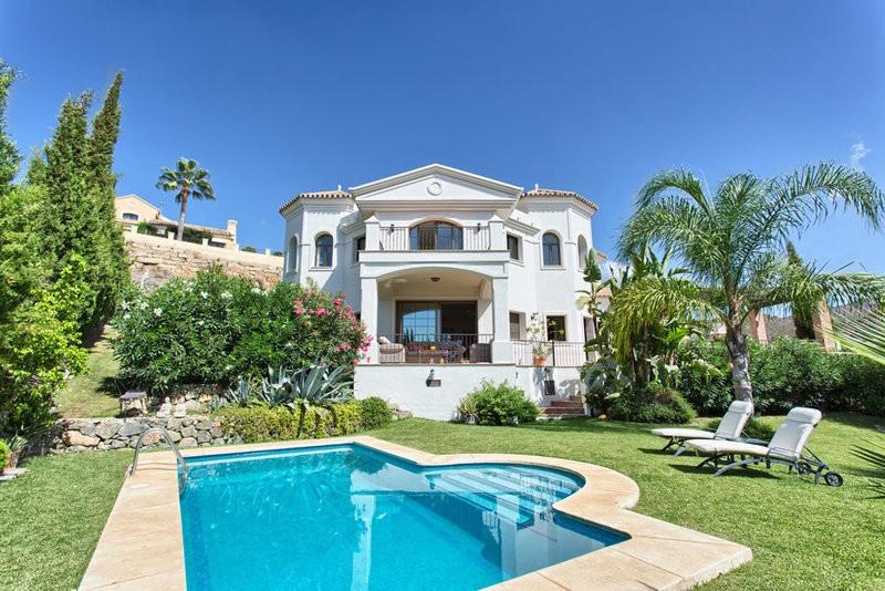 South facing 4 bed, 4 bath villa in the gated community of Las Lomas de la Quinta with sea- and moun,Spain