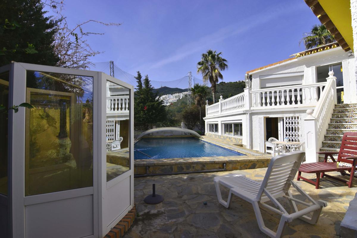 House in Arroyo de la Miel R3799741 1