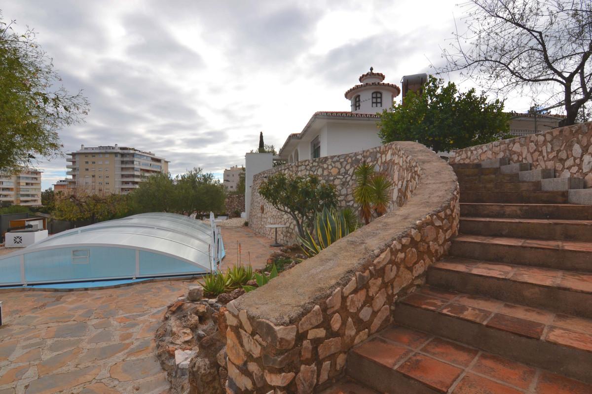 Chalet for sale in Arroyo de la Miel on one floor. In the Montealto area. In a very quiet area Eleva,Spain