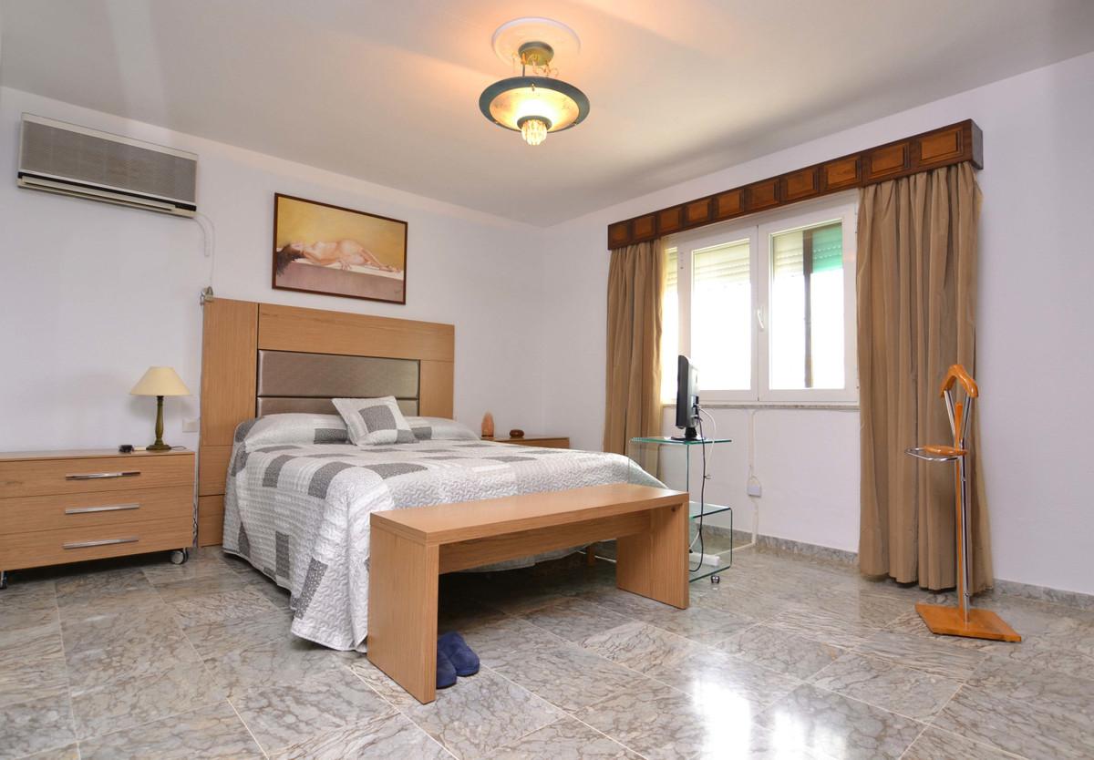 Hus in Arroyo de la Miel R3570022 18