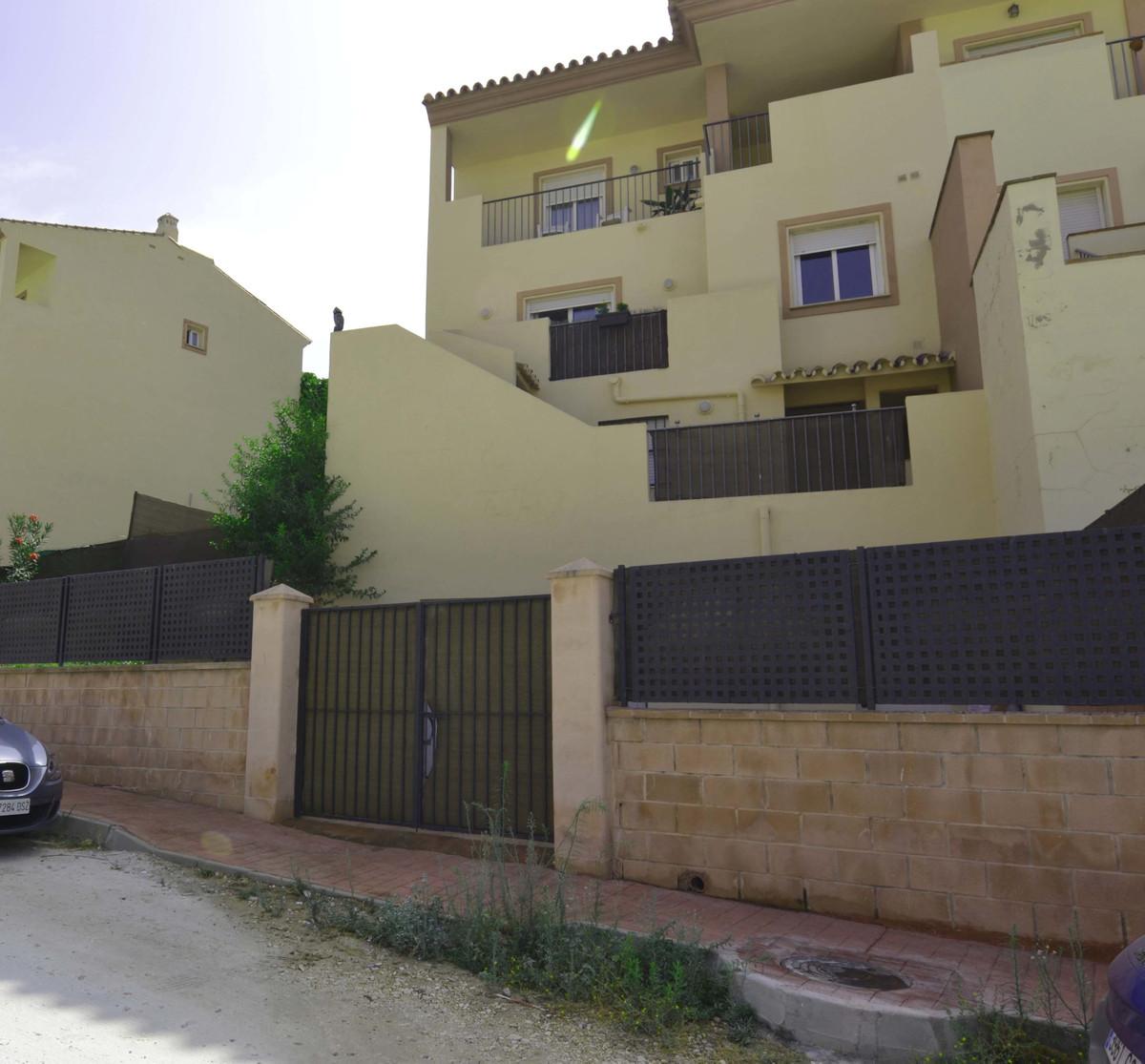 Villa 5 Dormitorios en Venta Coín