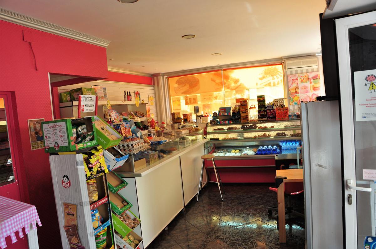 Shop, Benalmadena, Costa del Sol. Built 133 m².  Setting : Town, Close To Shops. Orientatio,Spain
