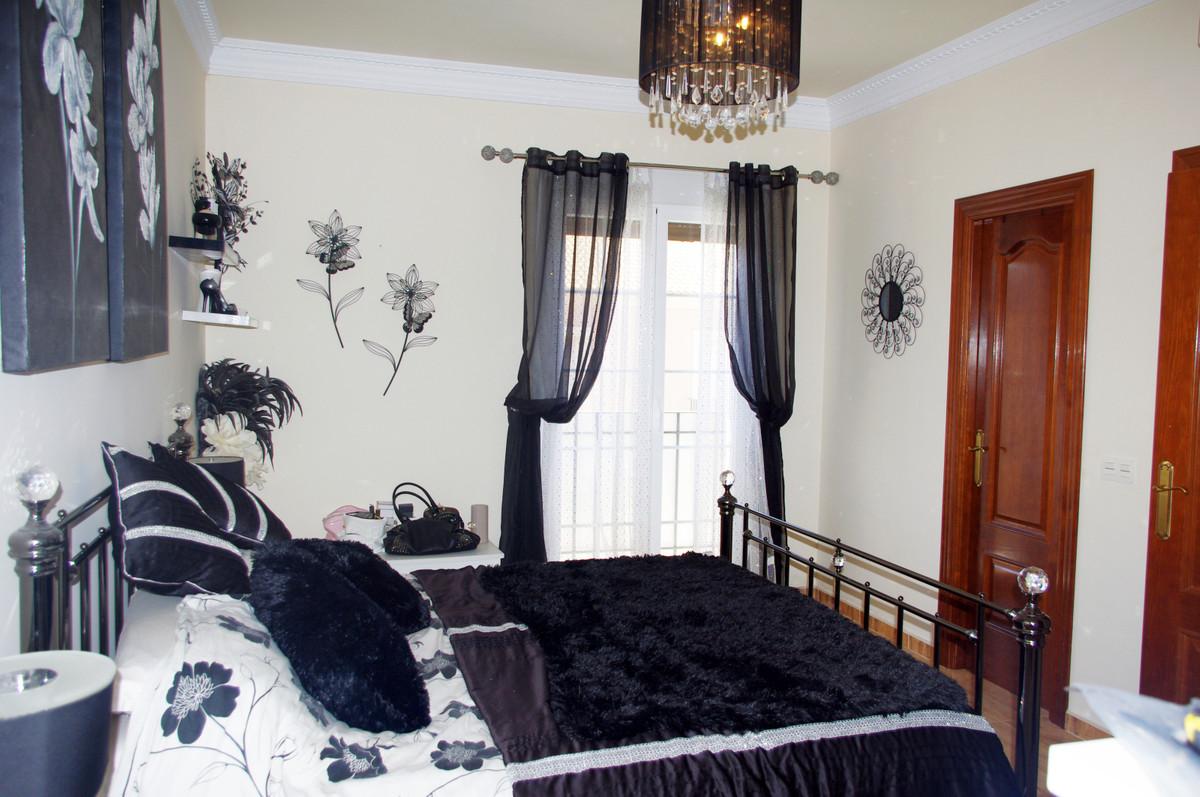 4 Bedroom Townhouse For Sale, Málaga