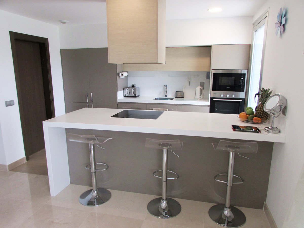 !!! BARGAIN !!! PRICE REDUCED!!! Newly built 3 bedroom apartment with contemporary design Splendid a,Spain