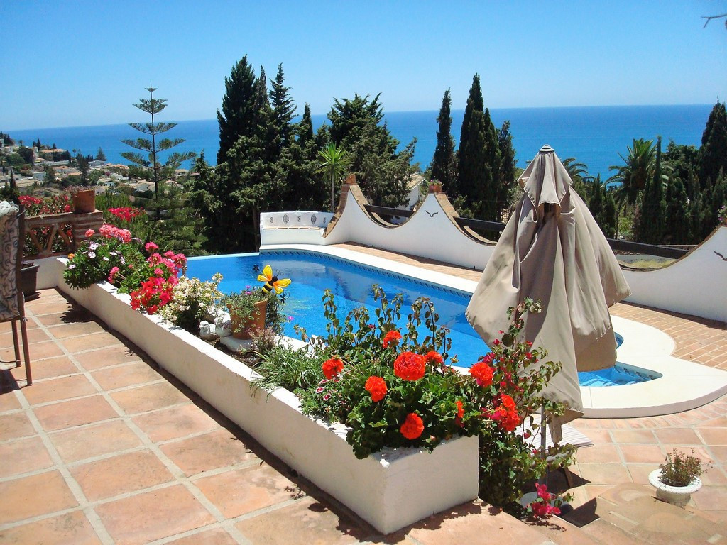 UNIQUE PROPERTY WITH THE MOST SPECTACULAR VIEWS ON THE COAST This beautiful villa consists of 5 bedr,Spain