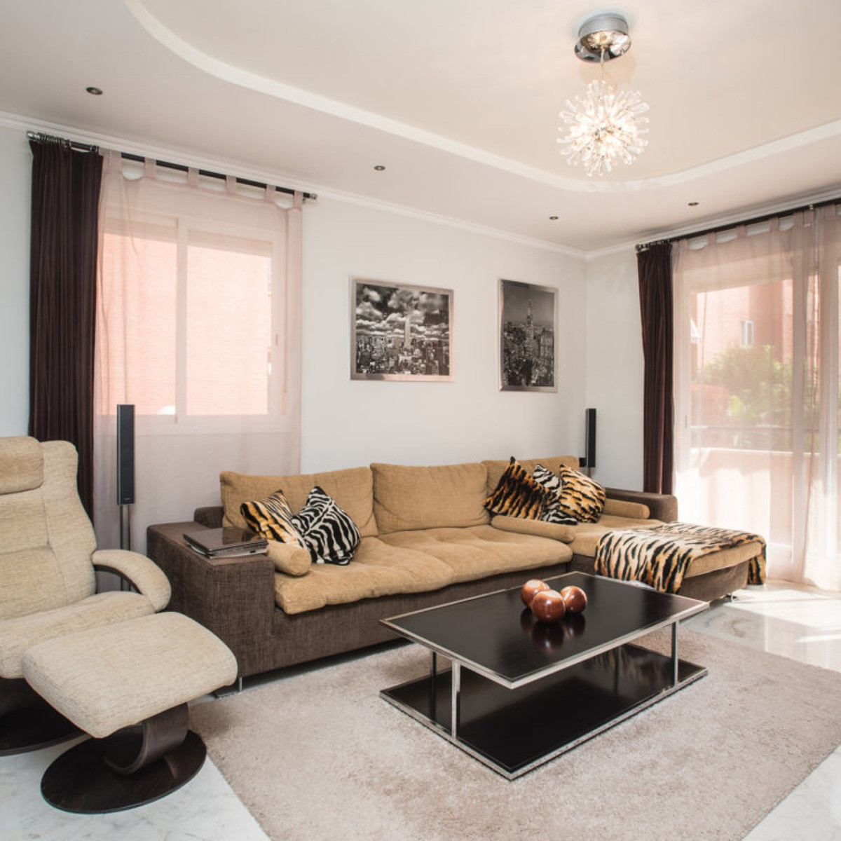 Amazing apartment priced to sell inmarbella town. The property consists of a fully equipped kitchen ,Spain