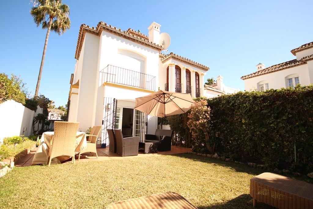 Townhouse for sale in El Presidente, Costa del Sol