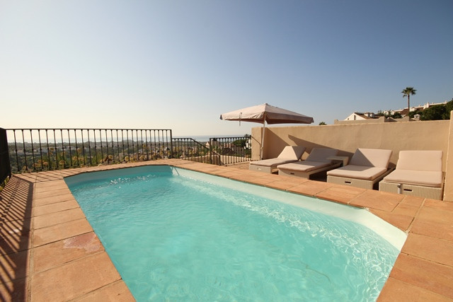 El Paraiso - Three bedroom immaculately presented duplex penthouse with private rooftop terrace and ,Spain