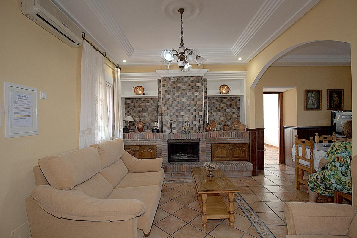 Villa con 2 Dormitorios en Venta Coín