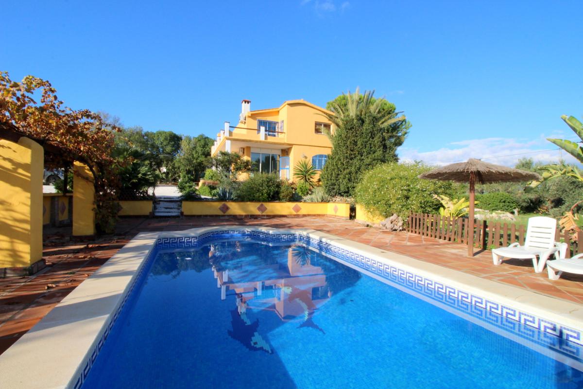 Villa - Chalet a la venta en Coín