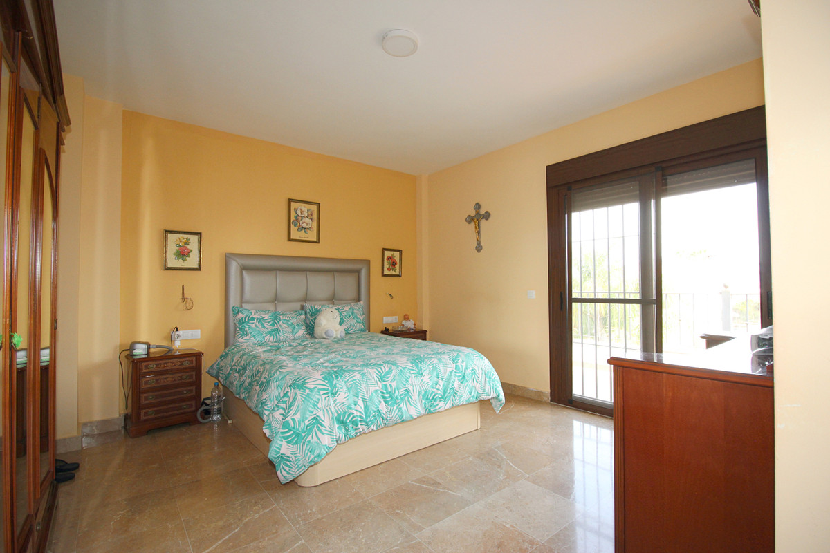 House in Alhaurín el Grande R3518707 22