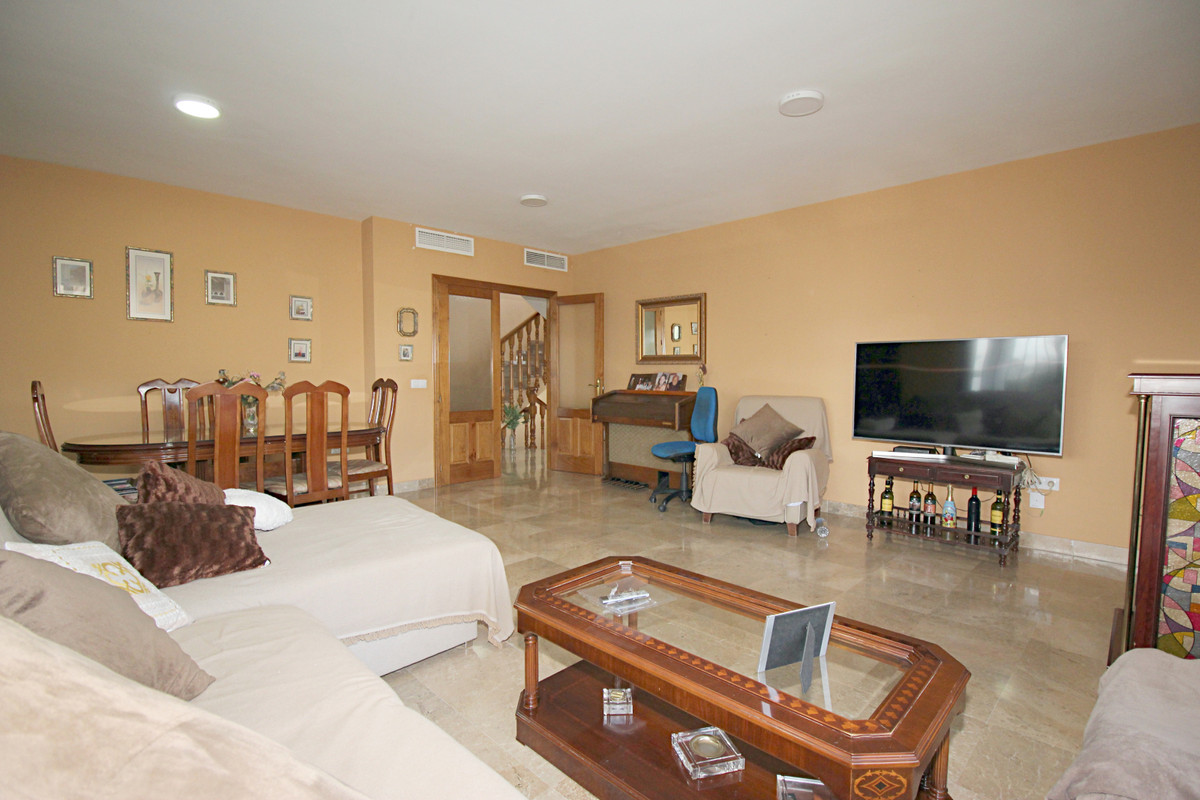 House in Alhaurín el Grande R3518707 26