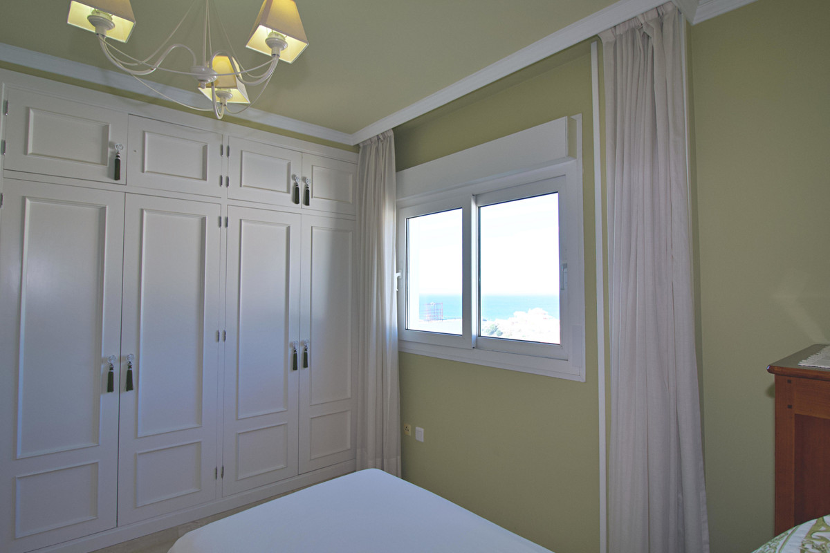 2 Bedroom Middle Floor Apartment For Sale Benalmadena Costa