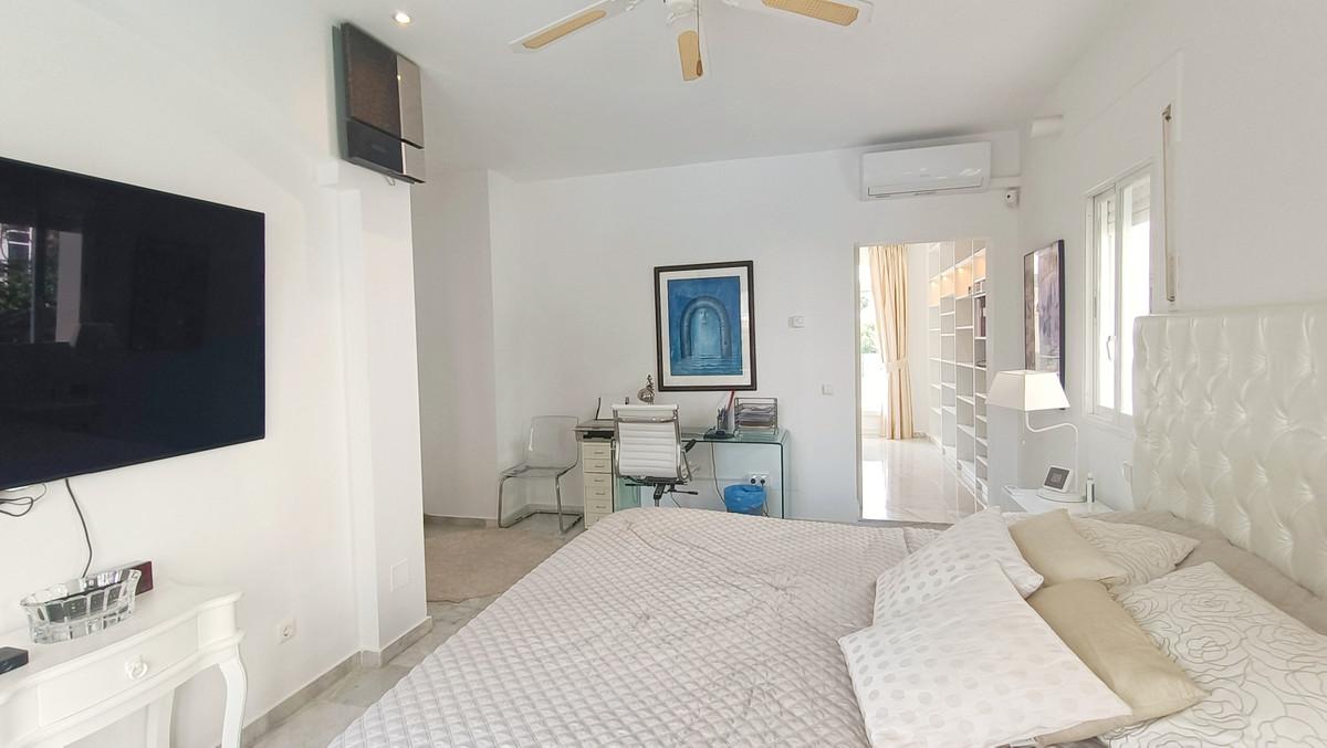 House in Atalaya R3886828 18