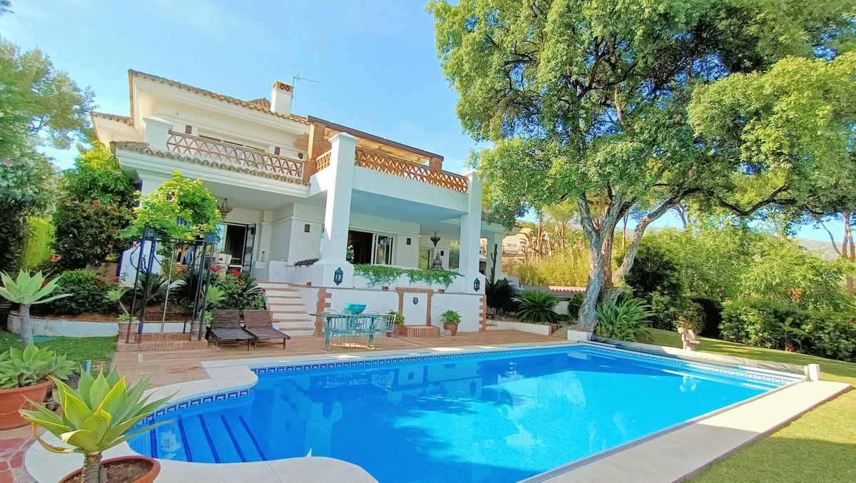 Detached Villa for sale in Marbella R3874870