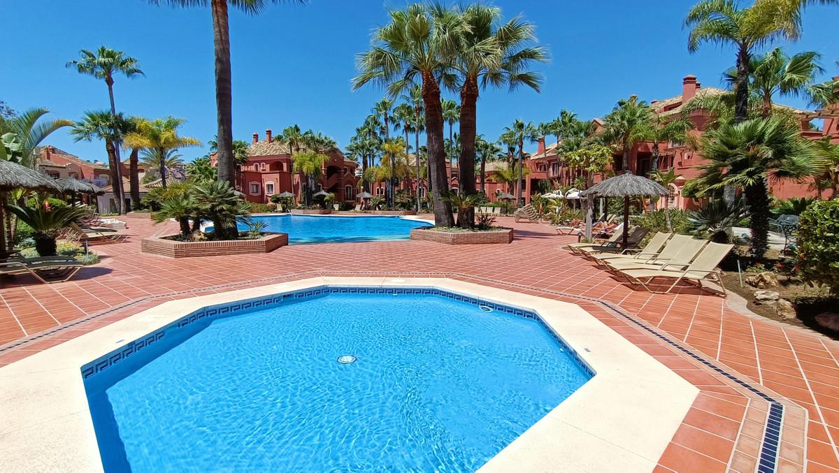 ApartmentMiddle Floorfor salein Nueva Andalucía
