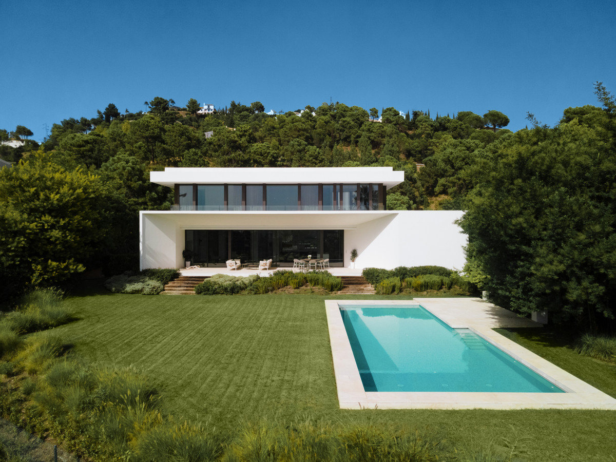 Detached Villa for sale in Benahavís R3918226