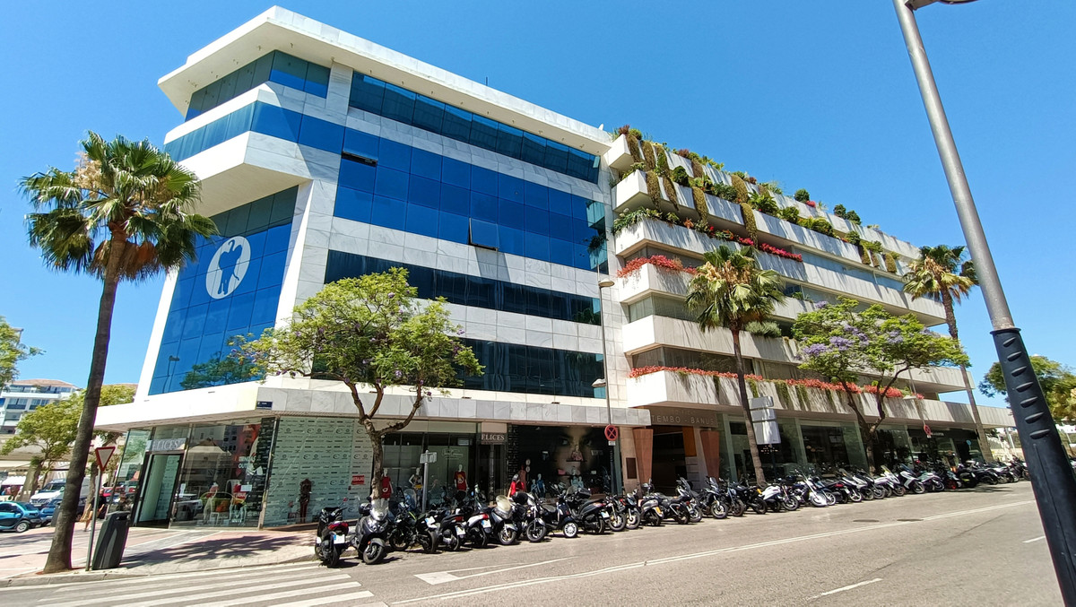 Office for sale in Puerto Banús R3521206