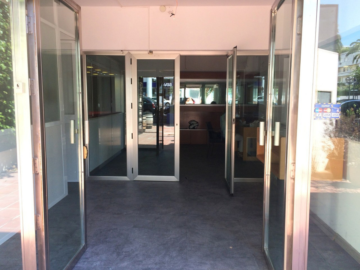 Very spacious ground floor local premises in Puerto Banus main Avenue. Located in sought out Avenida,Spain