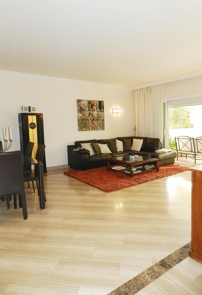 Appartement  Rez-de-chaussée en location  à Elviria