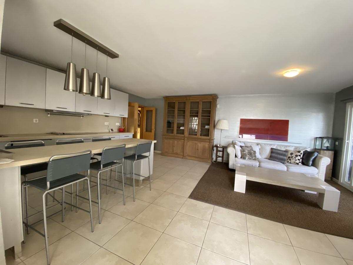 Apartamento Planta Media en venta en Nueva Andalucía R3533329