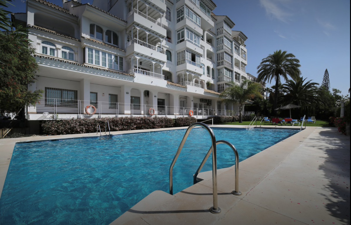 2 Bedroom Apartment For Sale, Puerto Banús