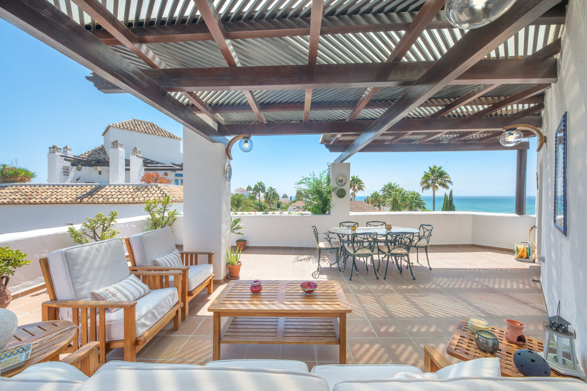 Takvåning Till salu i Bahía de Marbella R3510385