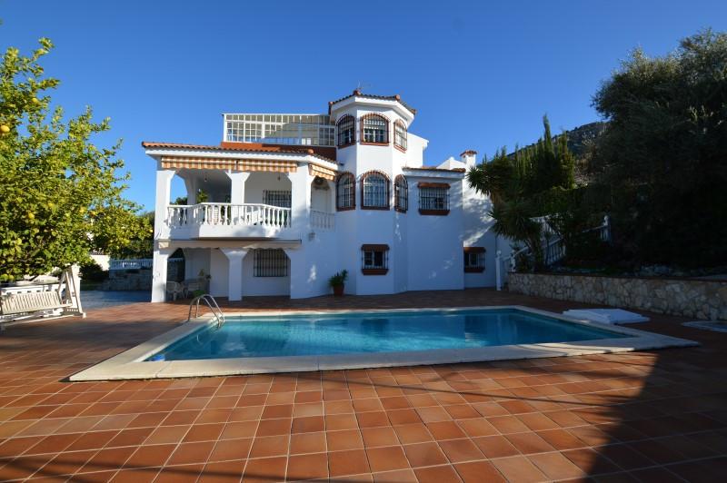 5 bedroom villa for sale alhaurin de la torre