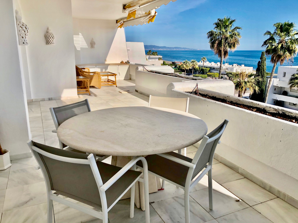Beachfront development with panoramic sea views, located in Guadalmina baja, in the well known Guada,Spain