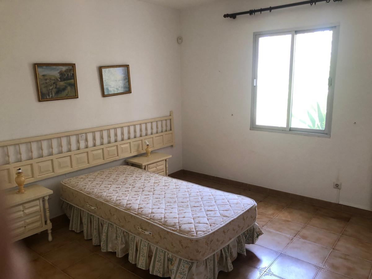 House in Atalaya R3680081 9