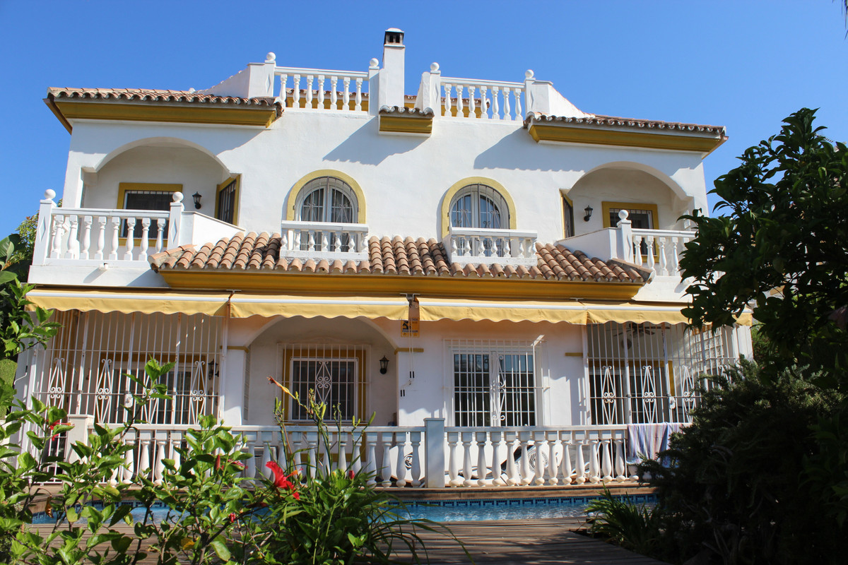 Semi-Detached House for sale in Marbella R3498049