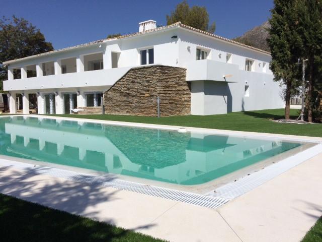 6 Bedroom Villa For Sale - Sierra Blanca