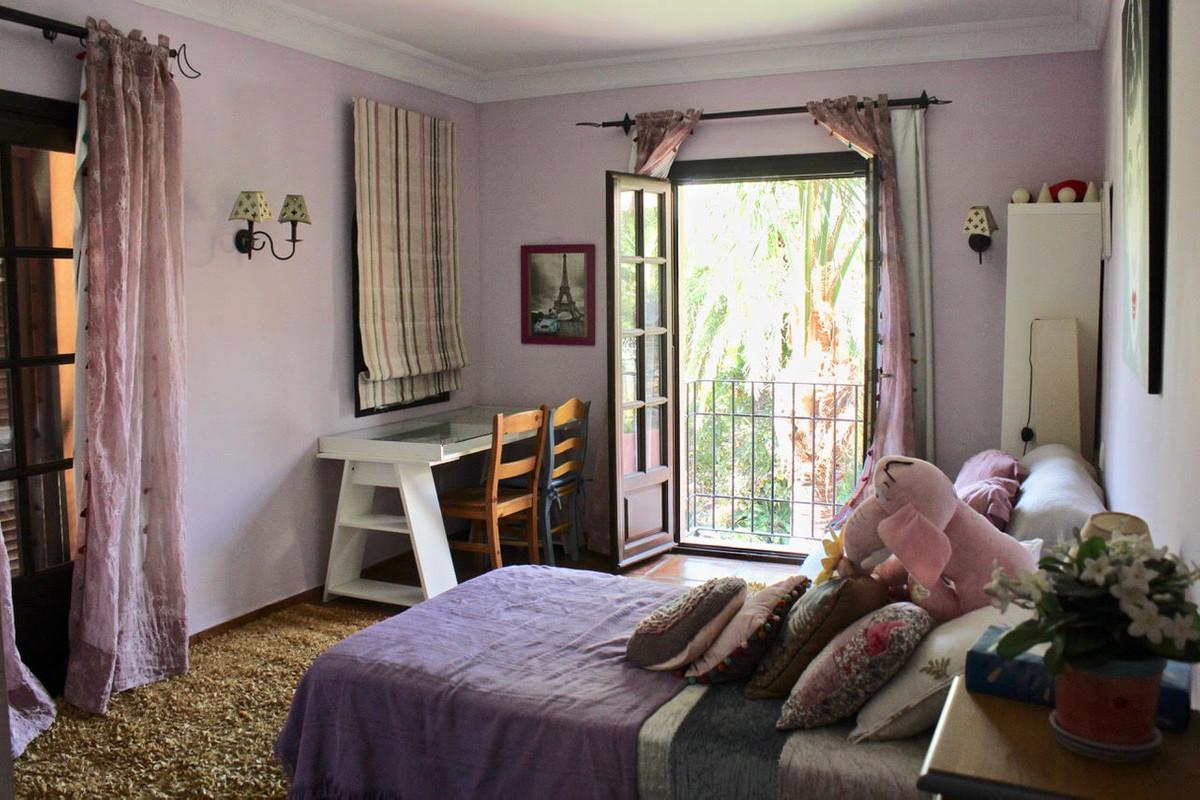 Villa con 6 Dormitorios en Venta San Pedro de Alcántara