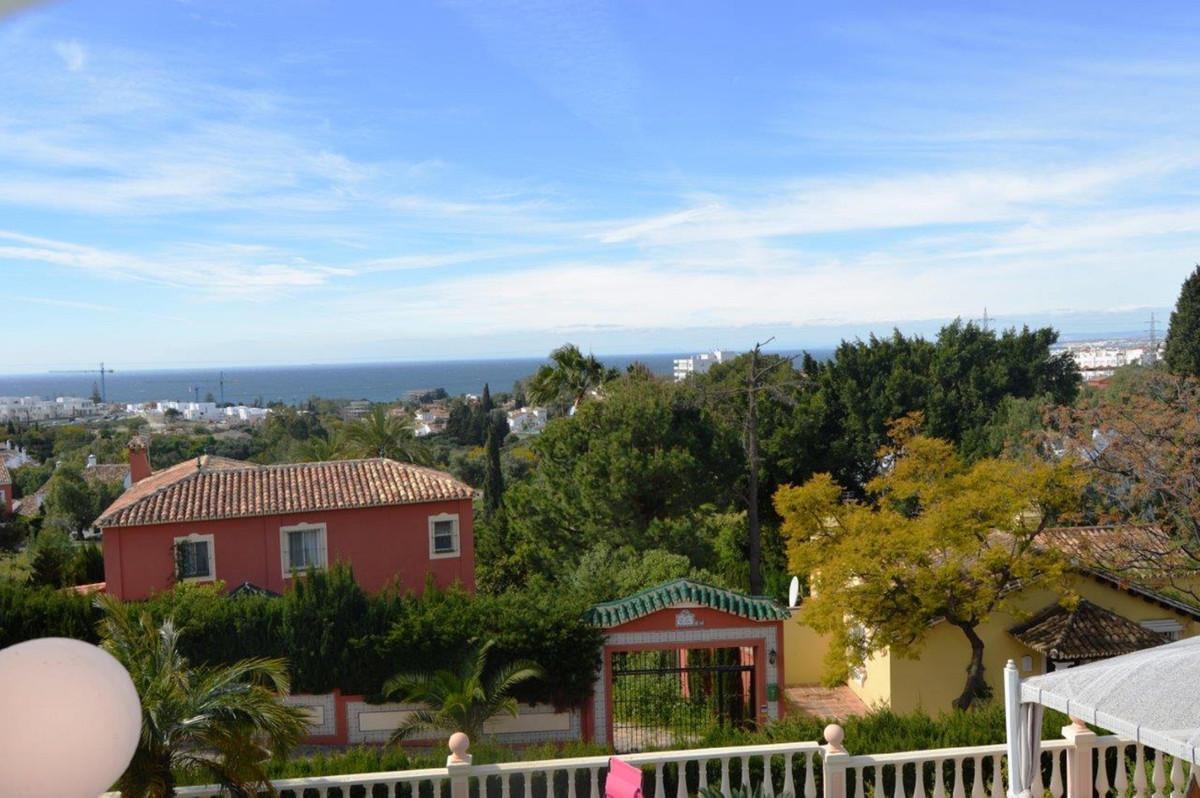 Villa in Rio Real, in the Lomas del Pozuelo Urbanization. The villa is located on an elevated, flat ,Spain